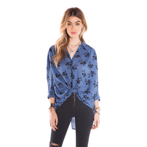 Image of Amuse Society Gia Long Sleeve Woven Shirt - Women's French Blue Md